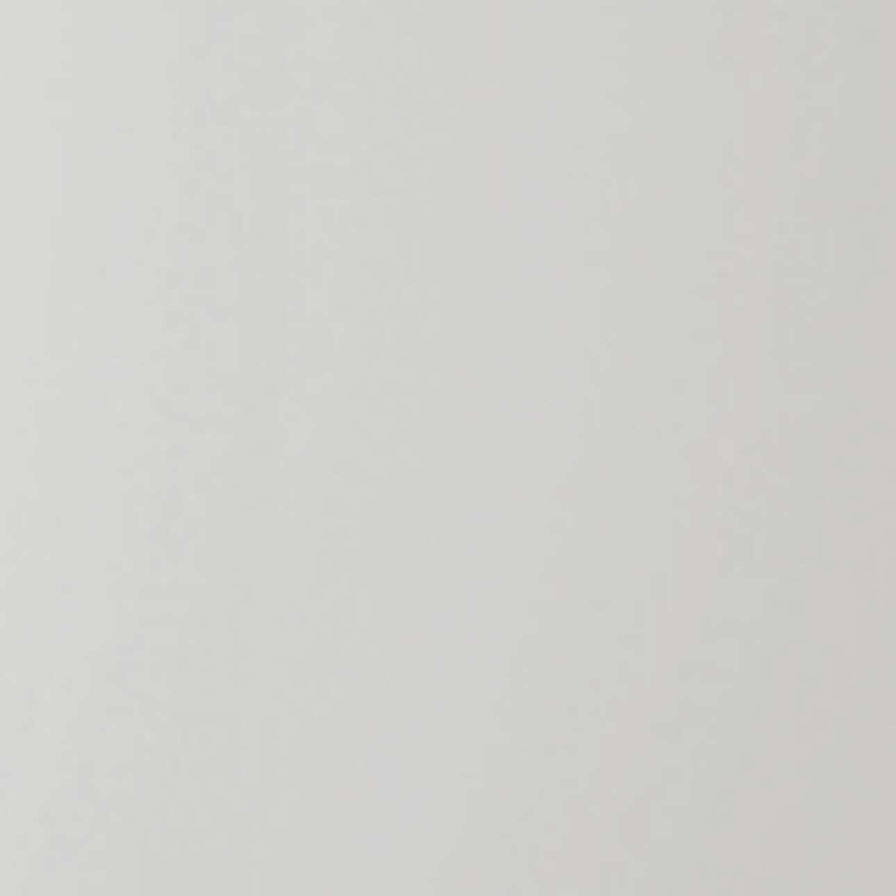 Ljusgrå [+ 615 kr]