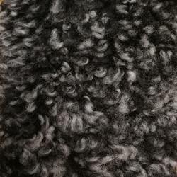 Fårskinn mörkgrå