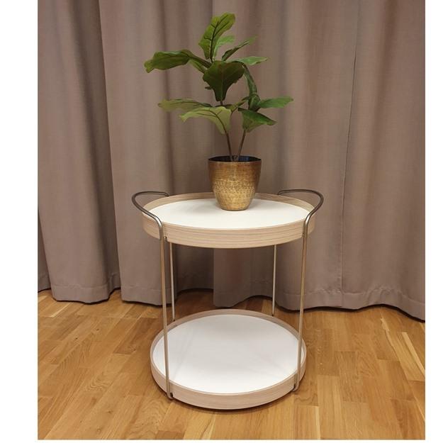 Bild på Trayo satsbord/ brickbord med hjul (butiks ex)